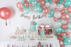 Comment pouvez-vous réussir la décoration d'une fête d'anniversaire?