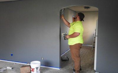 Associer la couleur du mur à celle des meubles pour une décoration inspirante et innovante